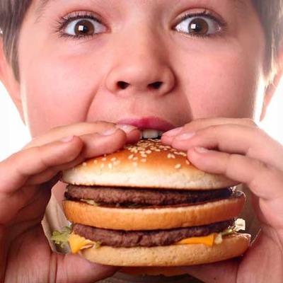 Fast Food Yiyeceklerin Sizi Dehşete Düşürecek 8 Zararı